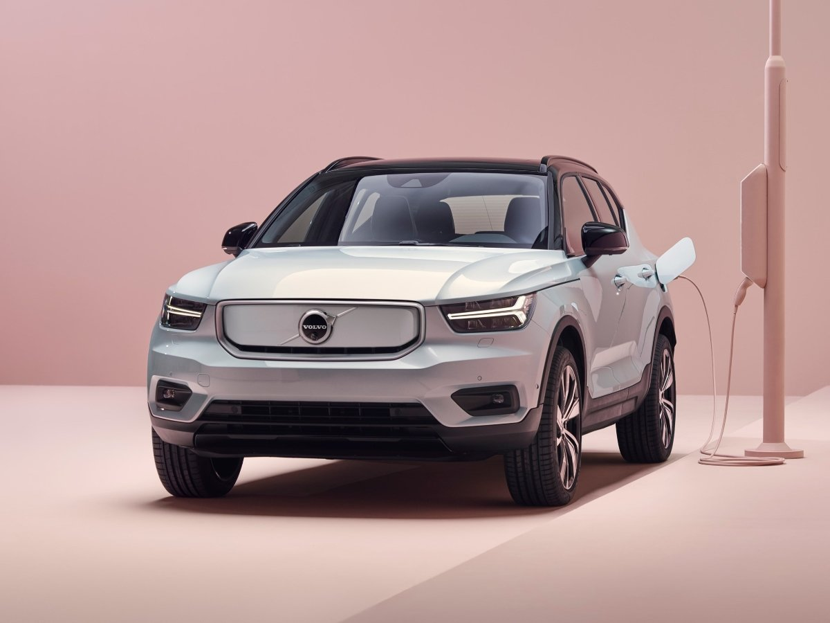Changes to 2021 Volvo Models Bring More Safety and Electrification