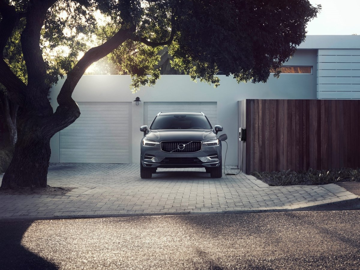 2021 Volvo XC60 Recharge Plugged In and Charging