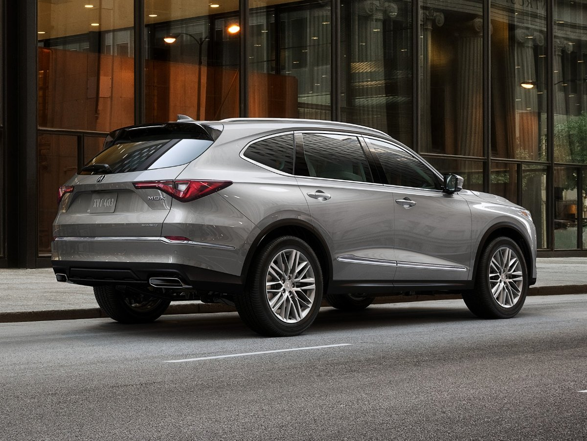 2022 Acura MDX Technology Advance Lunar Silver Rear Quarter View