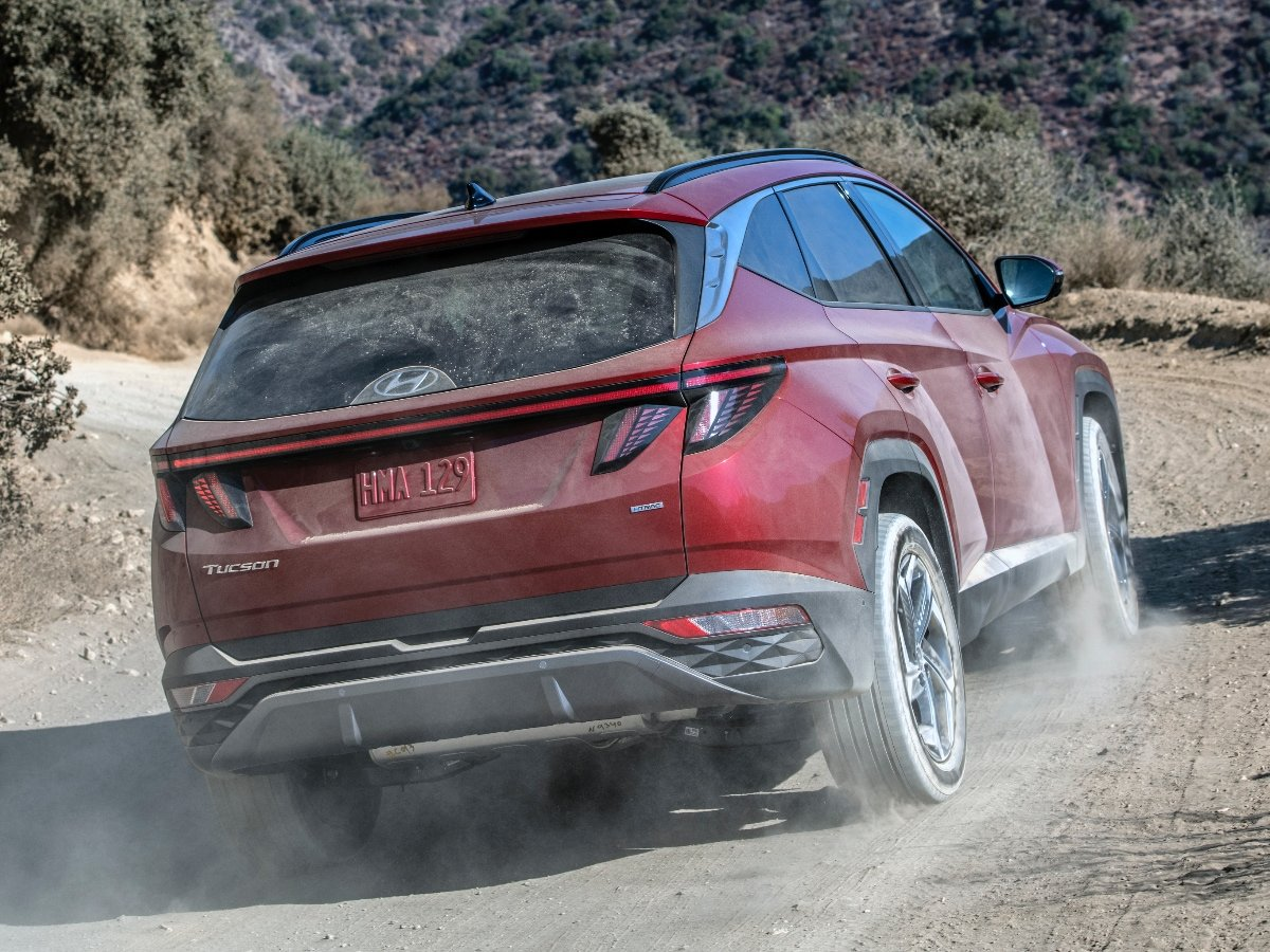 2022 Hyundai Tucson Limited Red Rear View Driving in Dirt