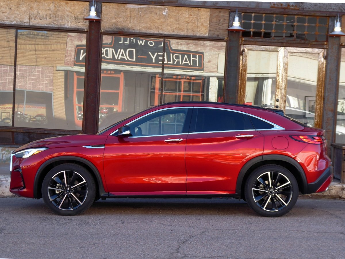 2022 Infiniti QX55 Red Side View