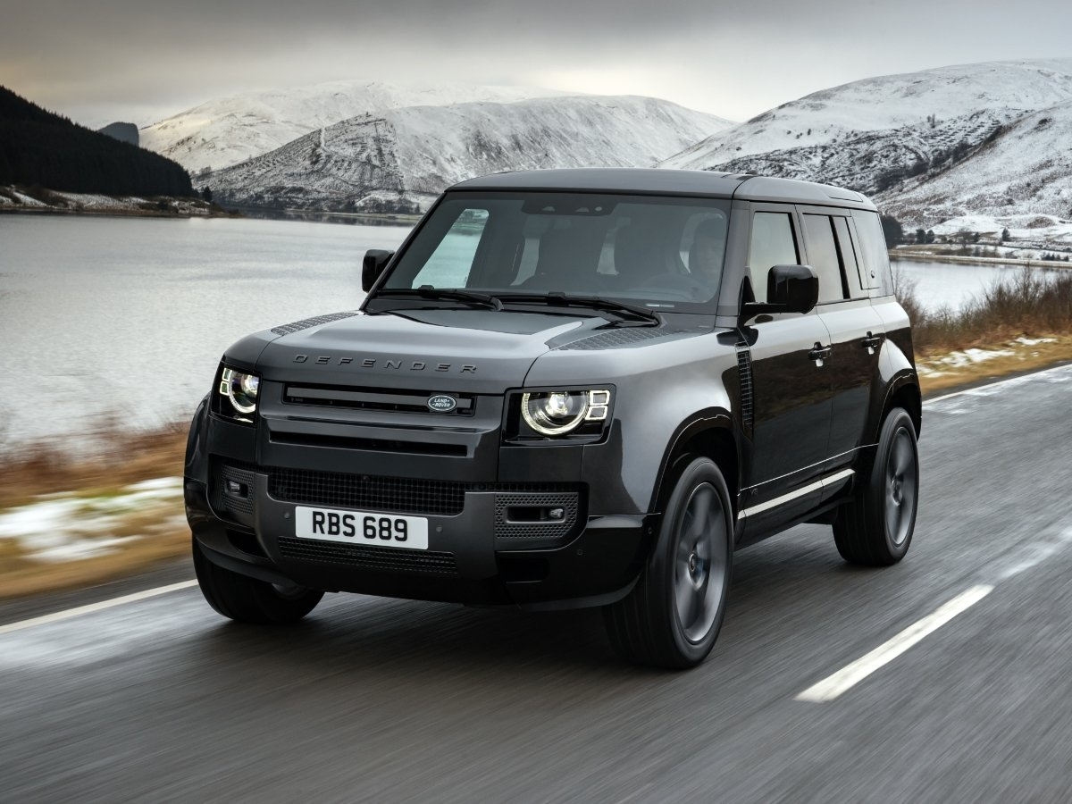 2022 Land Rover Defender V8 Preview