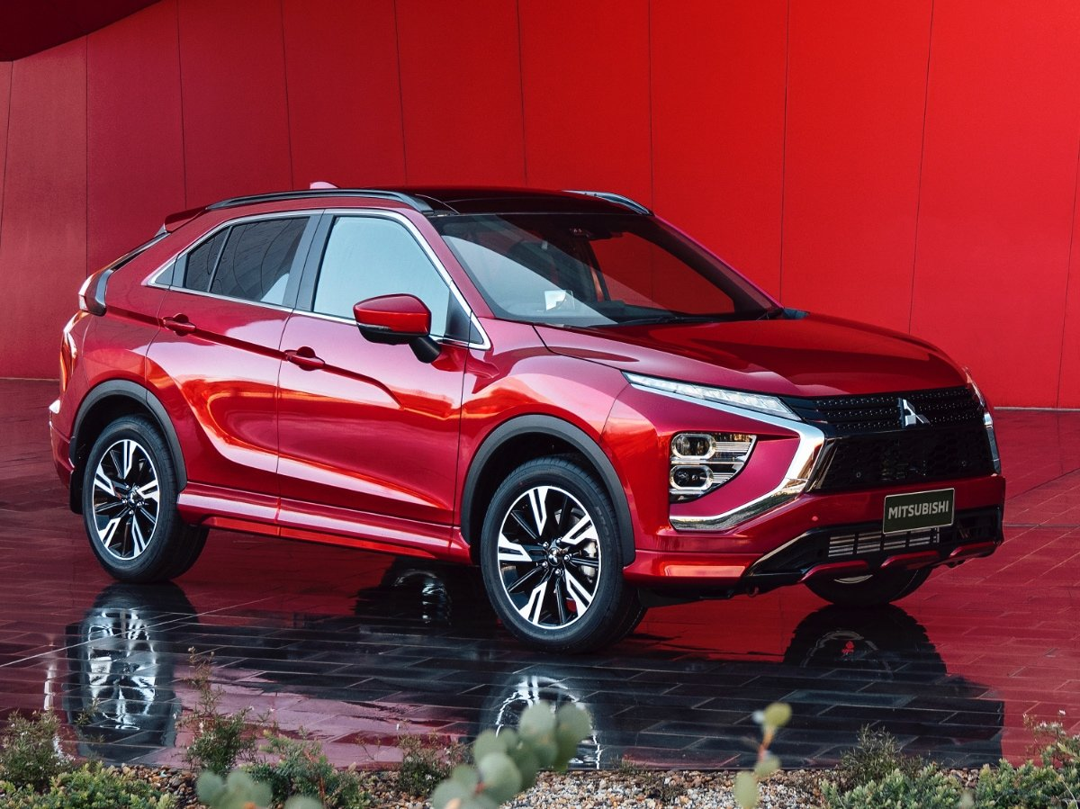 2022 Mitsubishi Eclipse Cross Red Front View