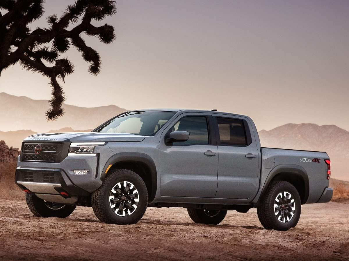 2022 Nissan Frontier Pro4X Gray Front Quarter View