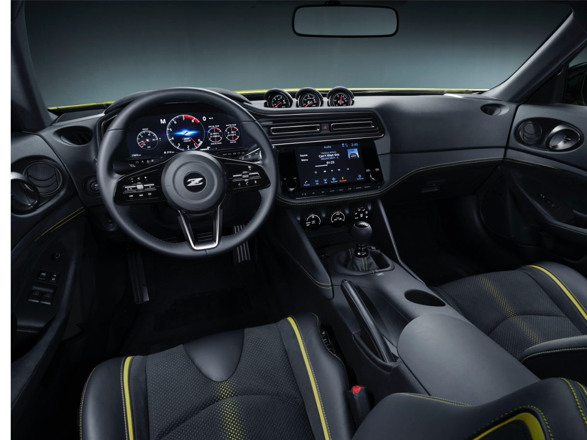 2022 Nissan Z Dashboard Seats