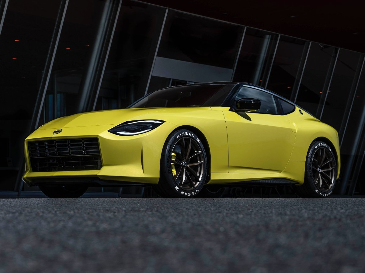 2022 Nissan Z Yellow Front View