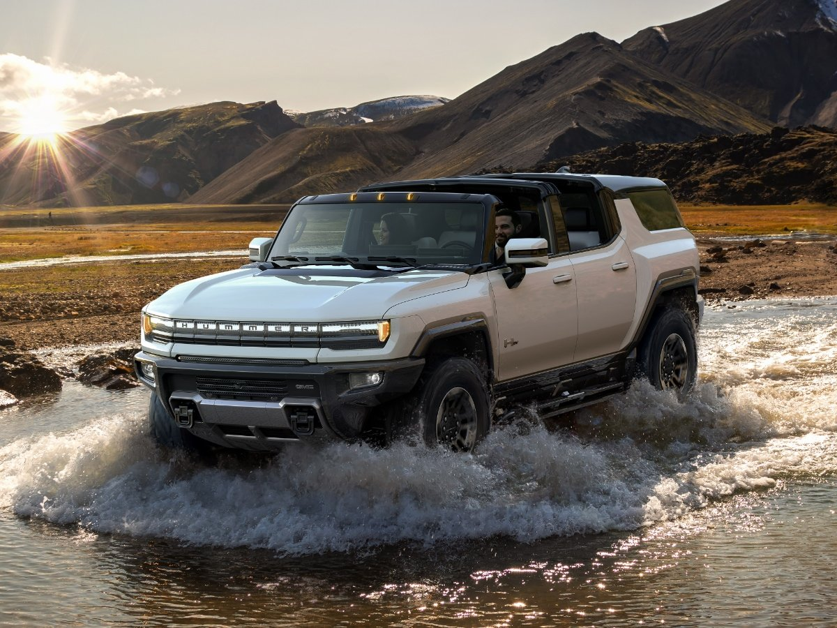 2024 GMC Hummer EV SUV Preview
