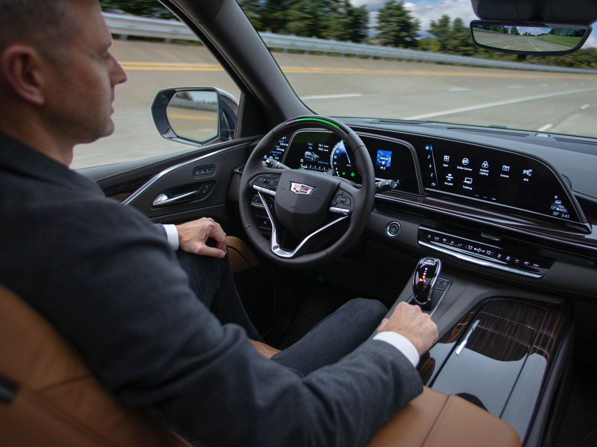 How Does Cadillac Super Cruise Driving System Work?