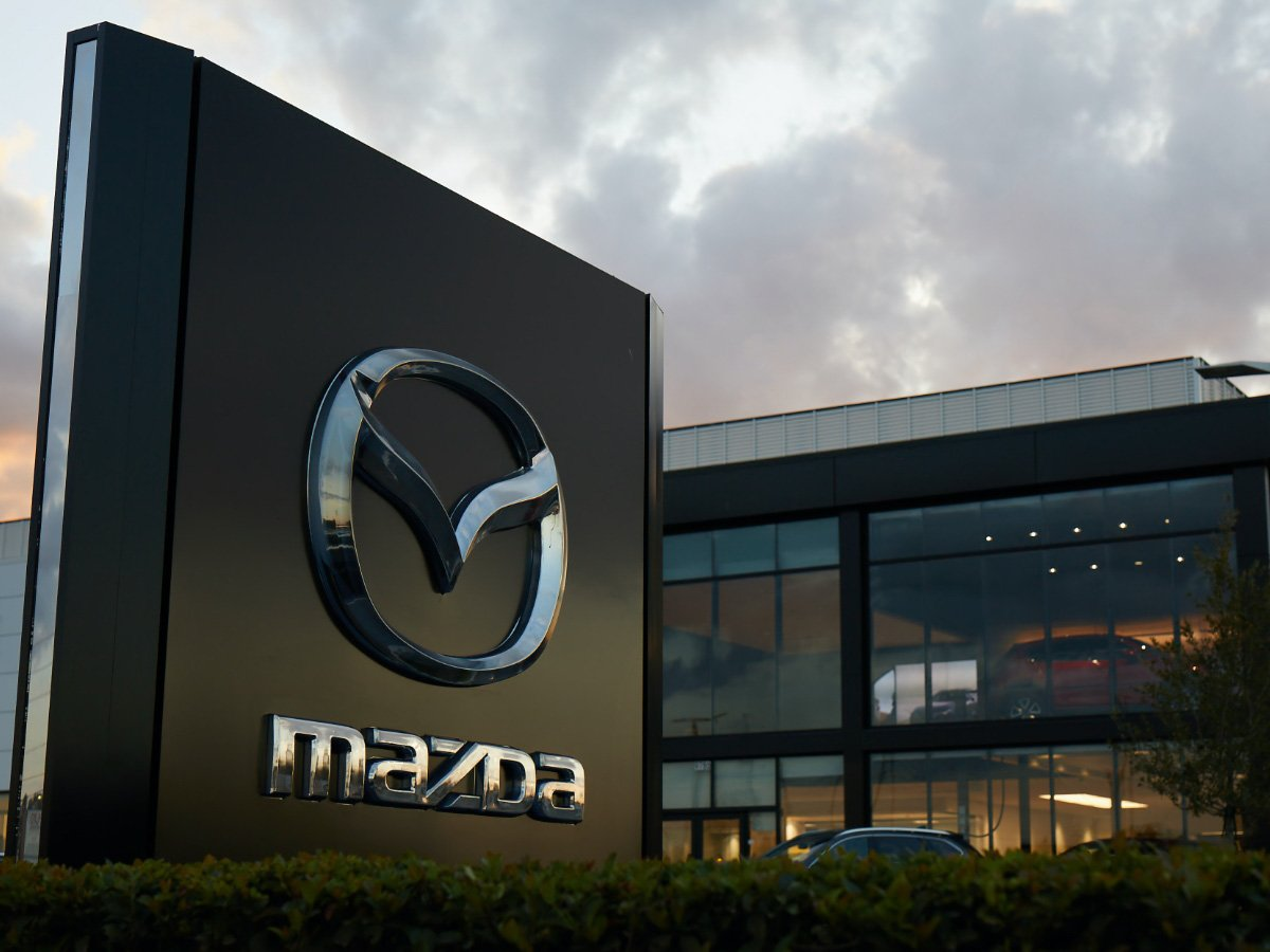 Mazda Offers Healthcare Workers Free Oil Changes and Car Cleaning During the Coronavirus Pandemic