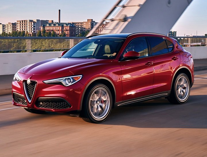 2018 Alfa Romeo Stelvio Ti Sport front quarter left photo