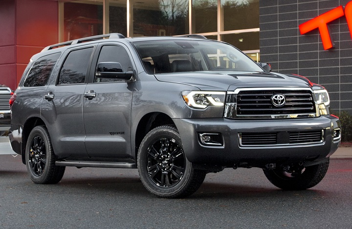 2018 Toyota Sequoia TRD Sport front quarter right photo