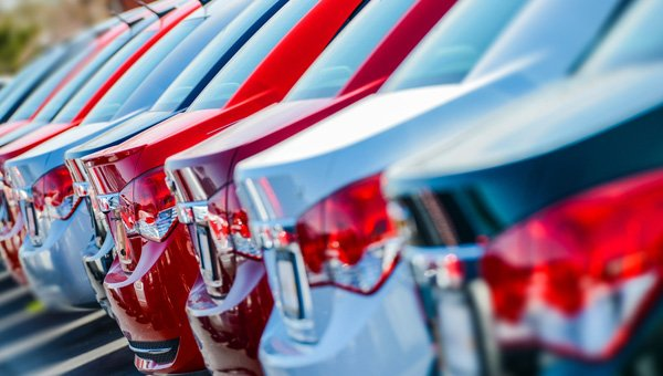 Nada Used Car Guide Analyzes Wholesale And Retail Pricing Differences J D Power