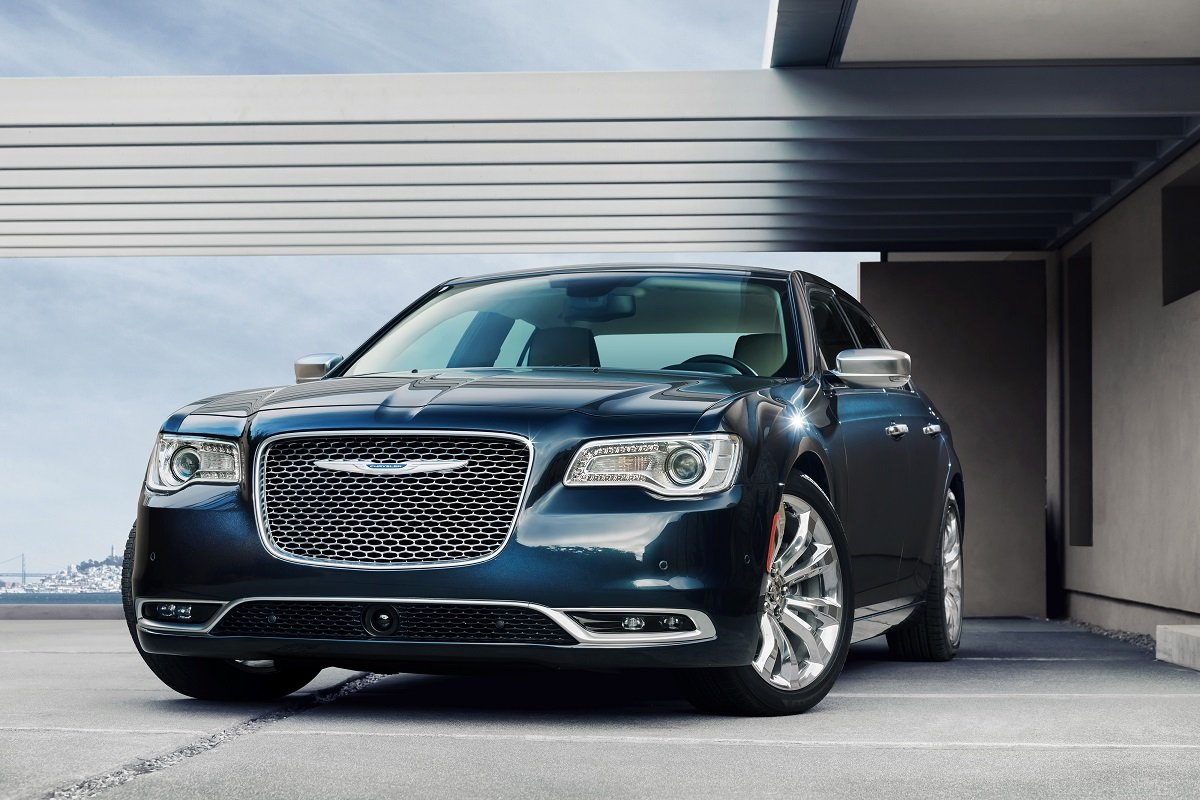 Top Ranked Cars Trucks And Suvs In The Jd Power 2015 Initial Chevy Equinox Interior Chrysler 300