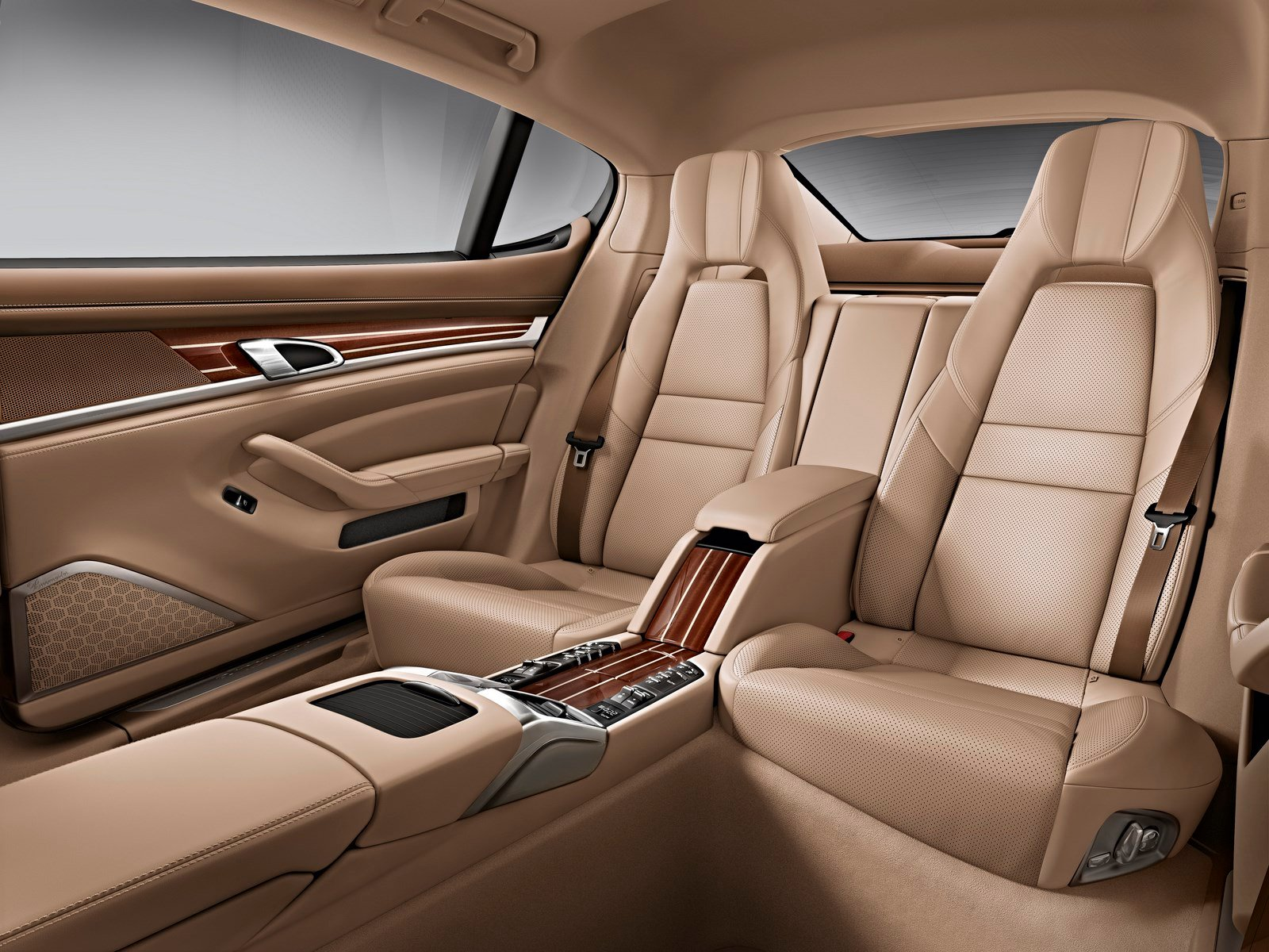 Aside From The Extra Space Provided Inside Of New Executive Models 2014 Panameras Interior Is Largely Unchanged Last Year