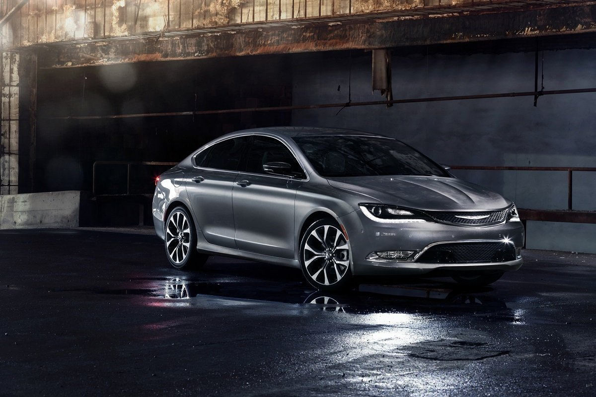 2015 Chrysler 200 Sedan Preview | NADAguides