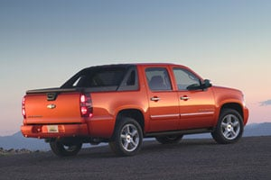 For 2009 The Chevrolet Avalanche Clified As A Combination Suv Truck On Account Of Its Midgate Is Available In Ls Lt And Ltz Models 2 Wheel Drive