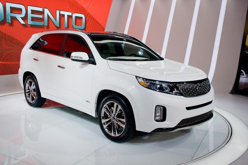 Introduction. Glance At Photos Of The 2014 Kia Sorento ...