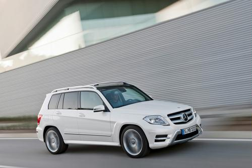 The Mercedes Benz Glk Clis A 5 P Enger Compact Luxury Suv For 2013 It Is Offered As The Glk250 Bluetec Equipped With A New 1 9 Liter Turbo Sel