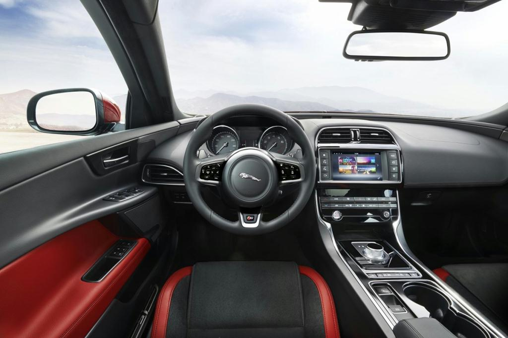 Though The Xe Will Serve As Jaguar S Entry Level Sedan Automaker Promises Generous Legroom And Headroom In A Cabin That Features Deep Center Console