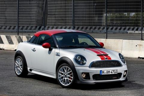 People Love Their Mini Coopers And For 2017 That S True Of The Cooper Coupe New 2 Door Seat Variant Traditional Hardtop Model