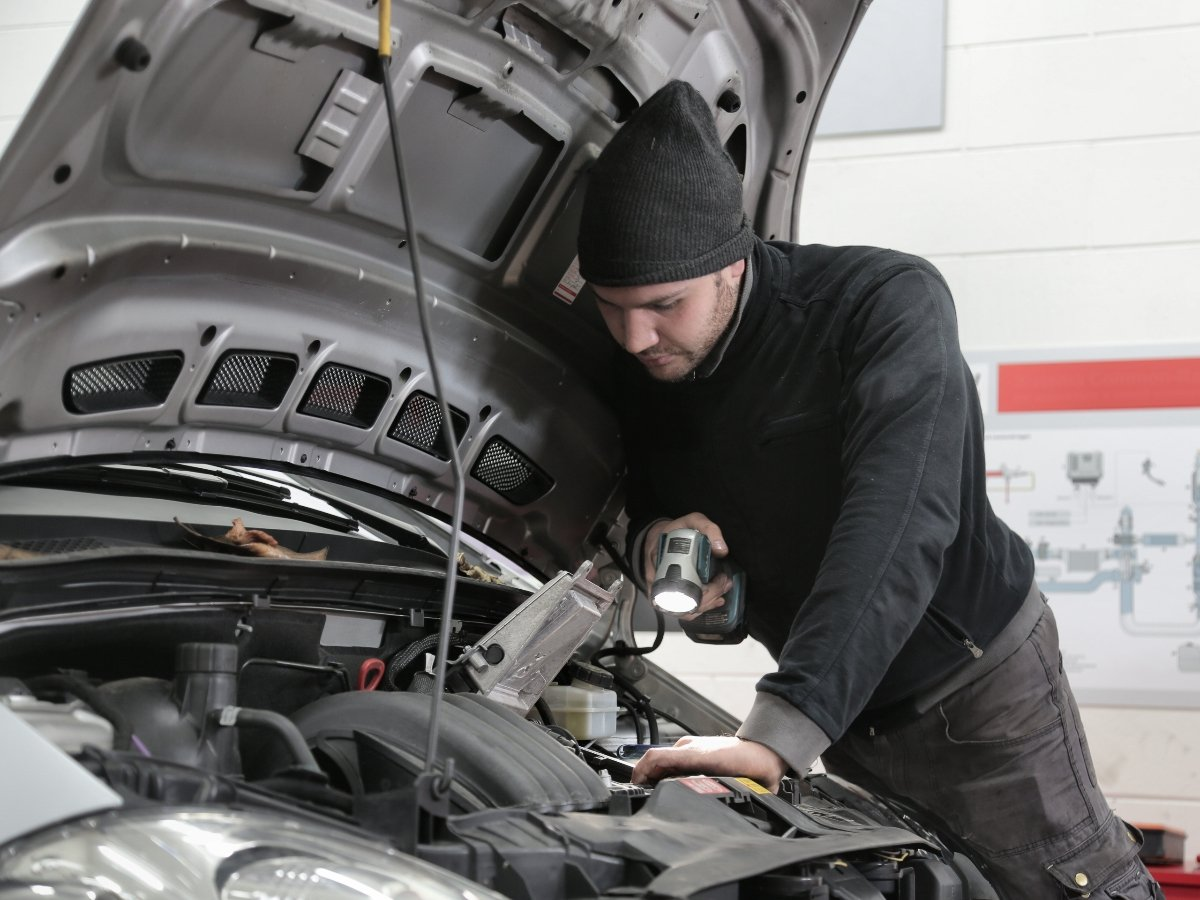 What is the Grinding Noise When Starting a Car?