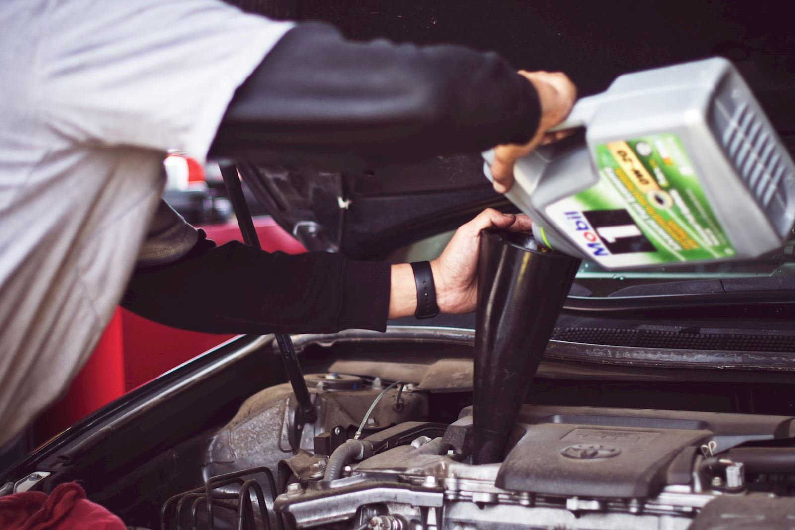 How Often to Change an Engine Oil Filter