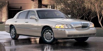 2006 Lincoln Town Car Sedan 4D Signature L