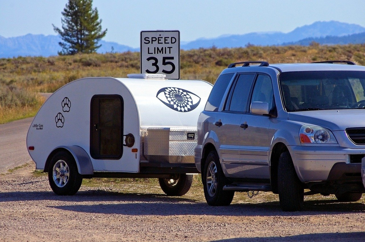 Compact and Convenient Camping: 6 Small Campers with Bathrooms
