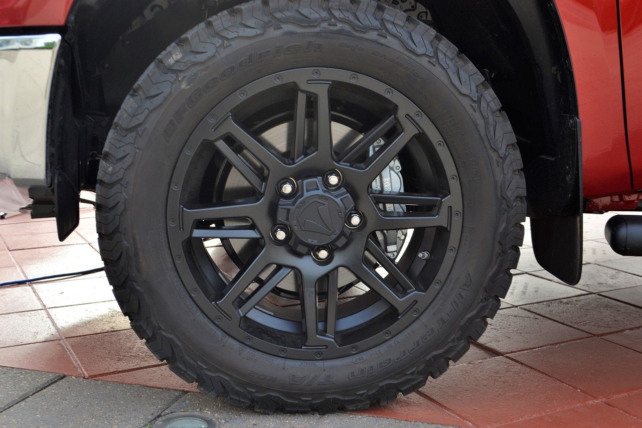 What Size Tires Will Fit My Truck?