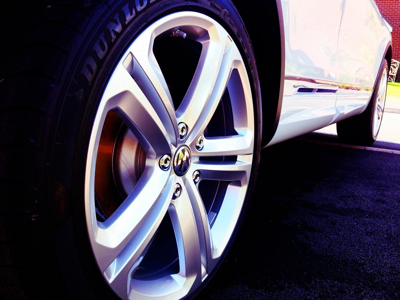 What Does TPMS Mean On a Car?